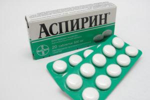 Аспирин помогает при лечении прыщей