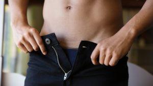 Прыщи на мошонке у мужчин появляются по разным причинам