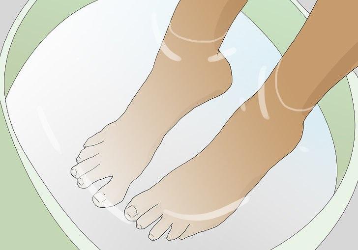 Почему облазит кожа на ногах