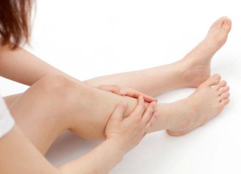 Онемение ног связано с разными причинами