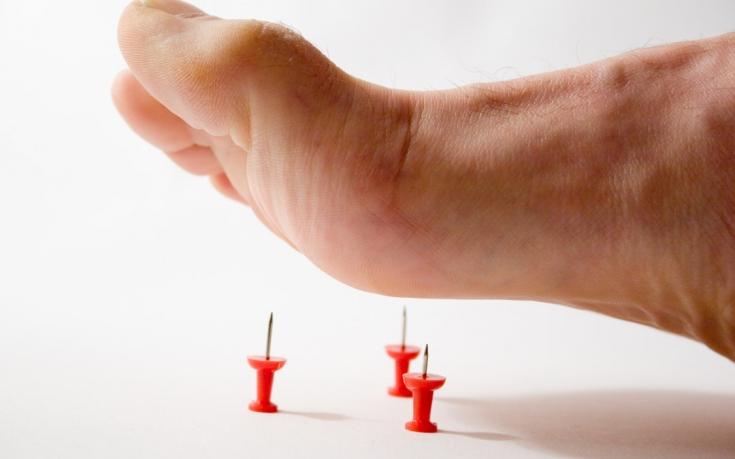 Причины покалывания в ногах могут быть патологическими или физиологическими