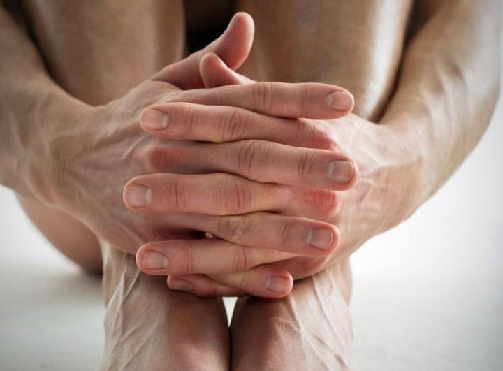 Выпадение волос на ногах связано с генетической предрасположенностью