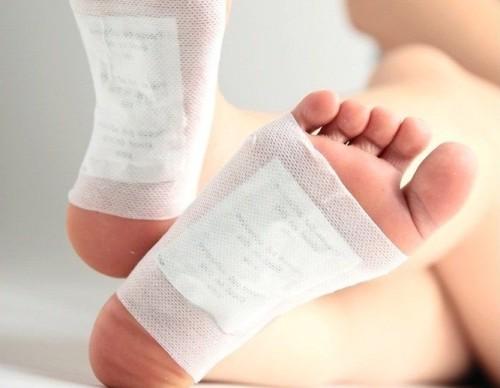Почему слезает кожа на ступнях ног