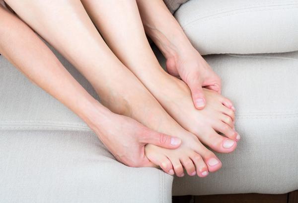 Онемение ступней бывает вызвано атеросклерозом