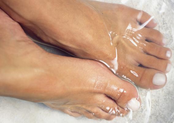 Почему сохнет кожа на ногах